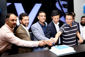 Samsung Pakistan Opens Premium Outlet at Lucky One Mall Karachi